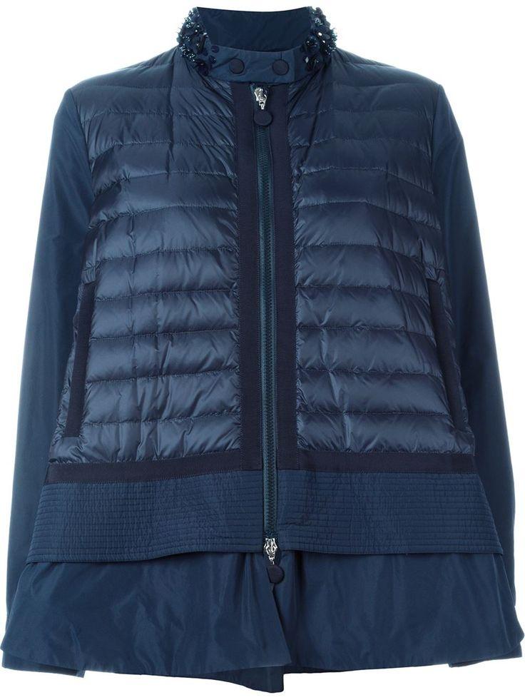 Moncler chaqueta acolchada con cuello adornado
