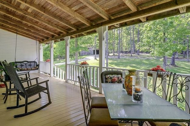 Country porch Leipers Fork Farmhouse Tennessee VRBO (13)