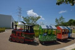 原発の町佐賀県玄海町にある玄海町次世代エネルギーパークあすぴあは太陽光や風力水力水素バイオマスなどの環境に優しい再生可能エネルギーのことを学べる施設です 展示はもちろんイベントや工作教室を通じてエネルギーについて楽しく学べるからこども連れにはおすすめのスポットですね 太陽光で走行するロードトレインや燃料電池や太陽電池を乗せた電動カートで遊ぶこともできますよ tags[佐賀県]