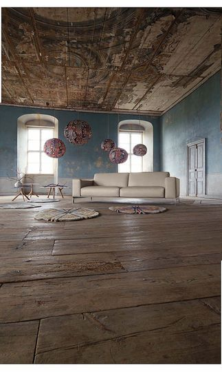 Un canapé en cuir beige épuré - 15 canapés cuir pour salon design - CôtéMaison.fr#diaporama