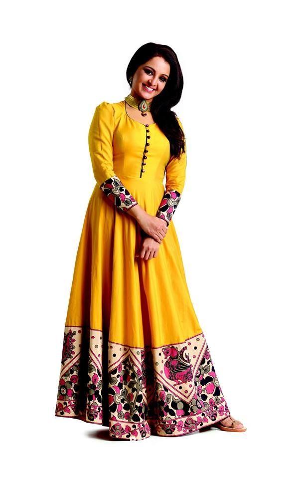 Manju Warrier in Floor Length Salwar Kameez with Kalamkari Patch border-PakeezaAnchal.com