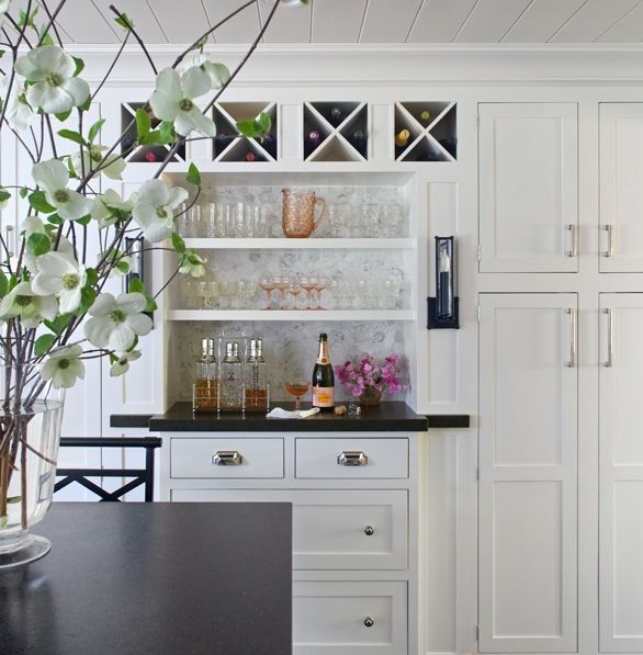 Bar black counters and wet bars on pinterest for Built in bar counter