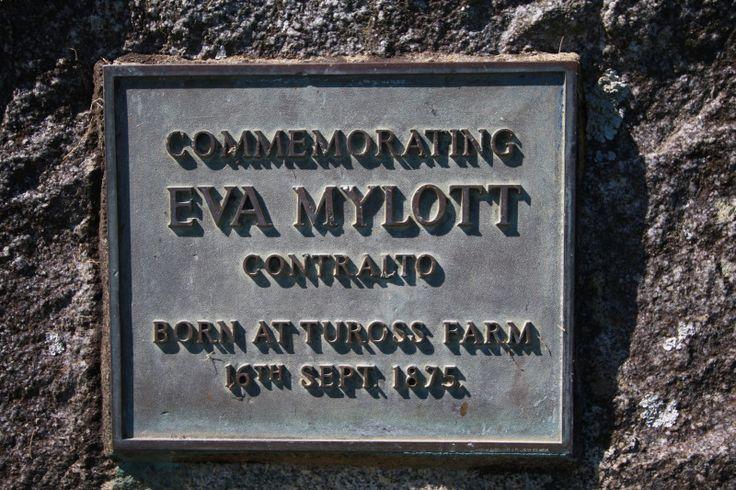 Eva Mylott nació en Tuross fue cantante y entrenada con