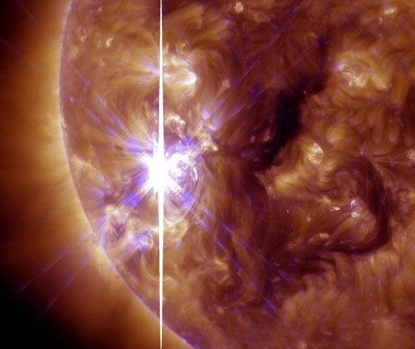 Foto: NASA / SDO. De zon heeft een indrukwekkende zonnevlam geproduceerd. De zonnevlam is geclassificeerd als een X3.3-zonnevlam en daarmee de krachtigste zonnevlam die de zon in heel 2013 heeft uitgespuugd.