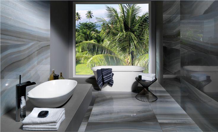 Baño con porcelanato look mámol de Portobello
