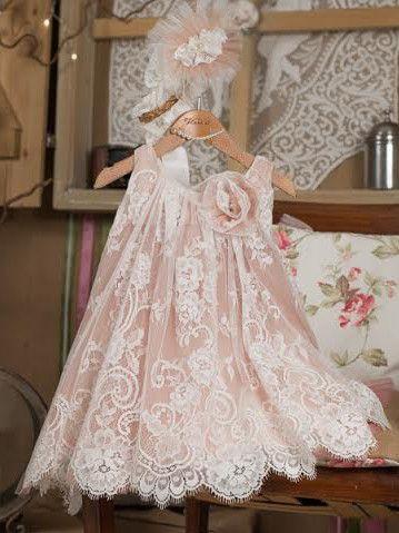 Φόρεμα+βάπτισης+Vinteli+αποτελείται+από: Φόρεμα+εκρού/σοκολά Μπαντάνα Ζακετάκι(προαιρετικά)