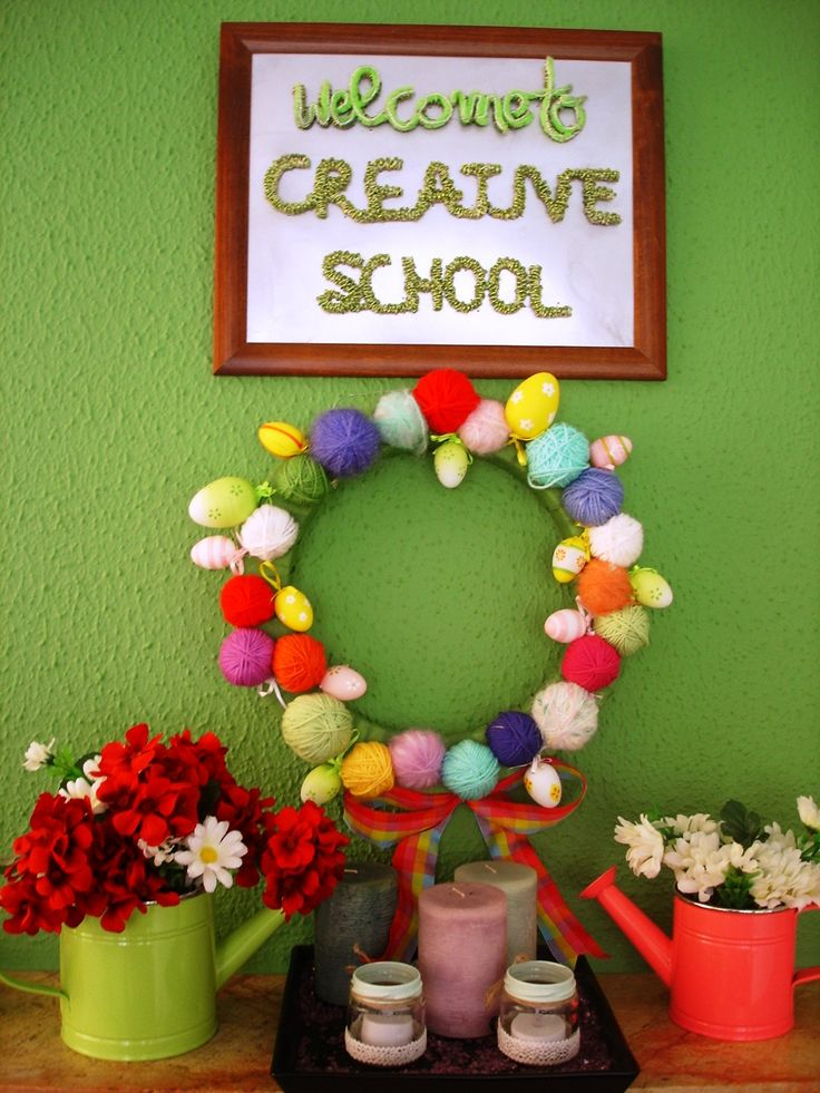 Easter wreath with eggs & yarn