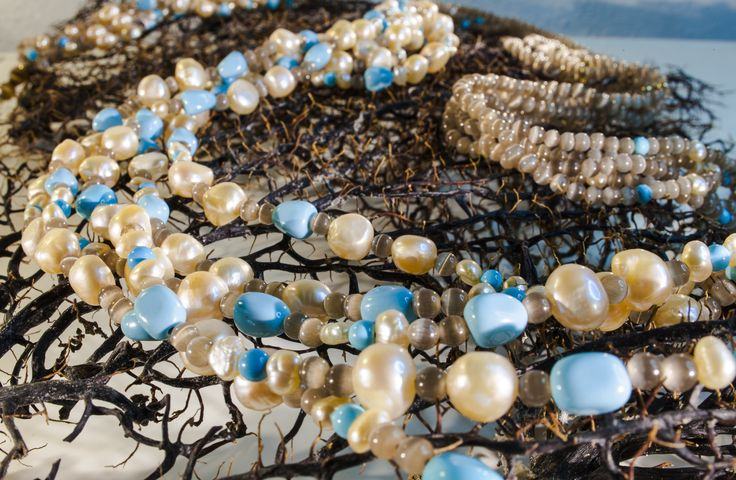 CO044M Collana 6 fili, occhio di gatto marrone, perle, sassi turchese