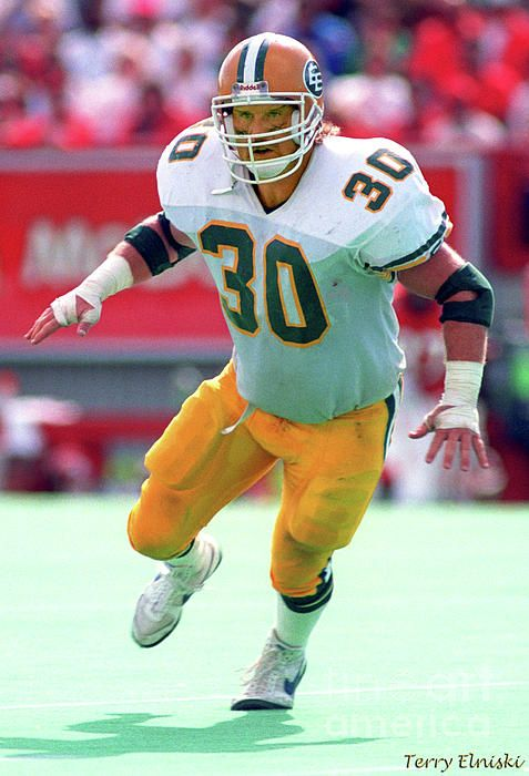 Iso shot taken of Edmonton Eskimos middle linebacker Danny Bass during the Labour Day Classic game against the Calgary Stampeders, 1990.