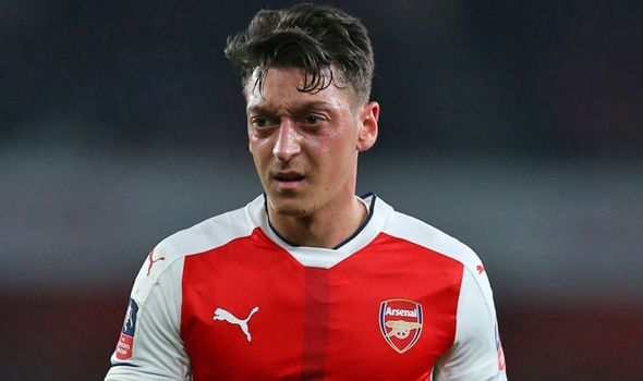 Arsenal star Mesut Ozil makes shock transfer revelation: Manchester United keen on deal   via Arsenal FC - Latest news gossip and videos http://ift.tt/2nhl7O6  Arsenal FC - Latest news gossip and videos IFTTT