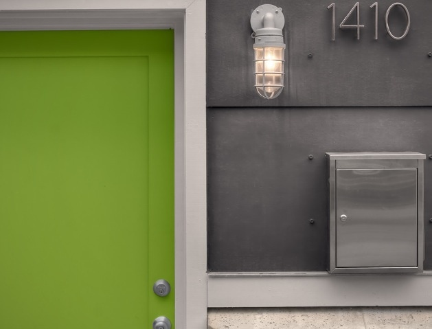 Mailbox and house number (from Houzz - RW Anderson Homes)