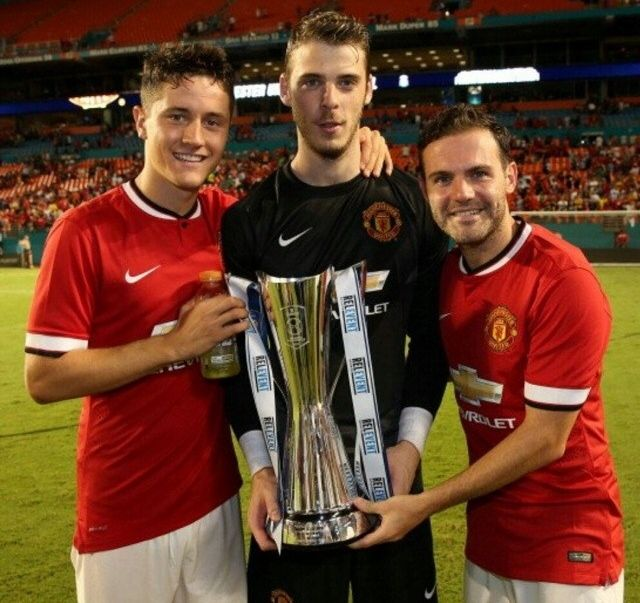 Ander Herrera, David De Gea, and Juan Mata