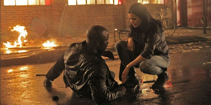 A new batch of set photos from Marvel and Netflix's The Defenders TV series show Luke Cage and Jessica Jones together again.