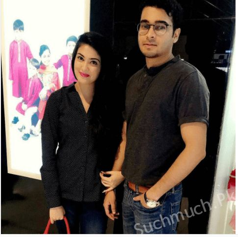 Gorgeous Aleezay Tahir With Her Fiance, Pakistani actress, aleezay tahir, aleezay tahir with her fiance, beautiful actress