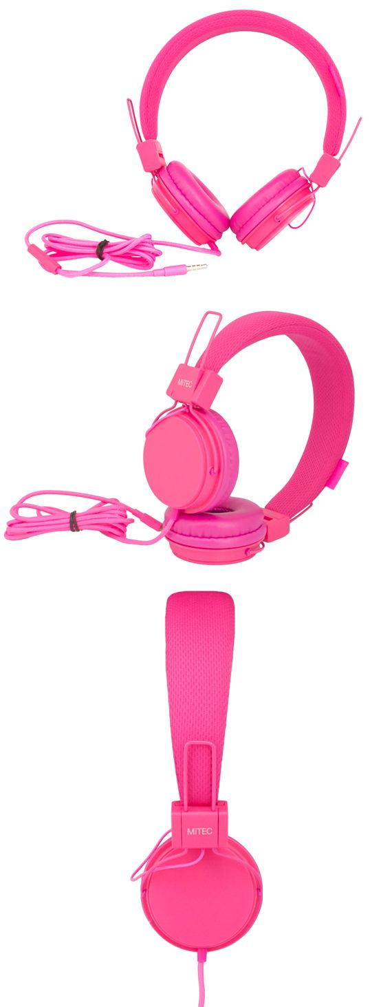 Bright, bold and powerful these wired headphones look and sound great. Featuring a soft, fabric finish on the adjustable headband, cushioned earcups for comfort and natural noise reduction. www.bluechipworld.biz