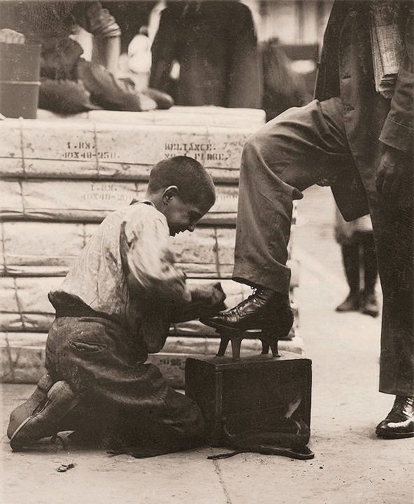 The History Place - Child Labor in America 1908-12: Lewis Hine Photos - A Variety of Jobs: A Bowery bootblack in New York City.