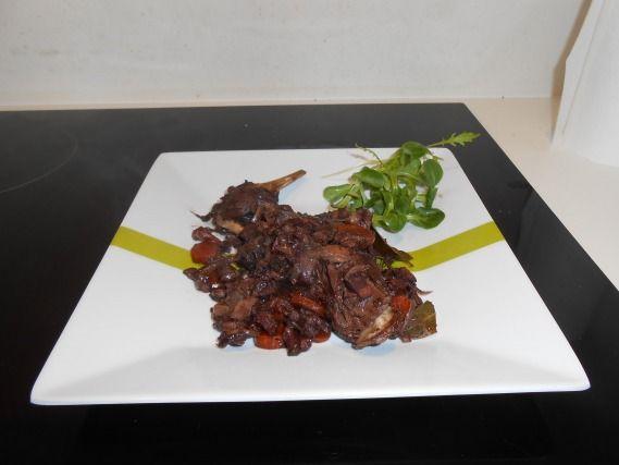 """750g vous propose la recette """"Civet de lièvre"""" publiée par 750 grammes."""