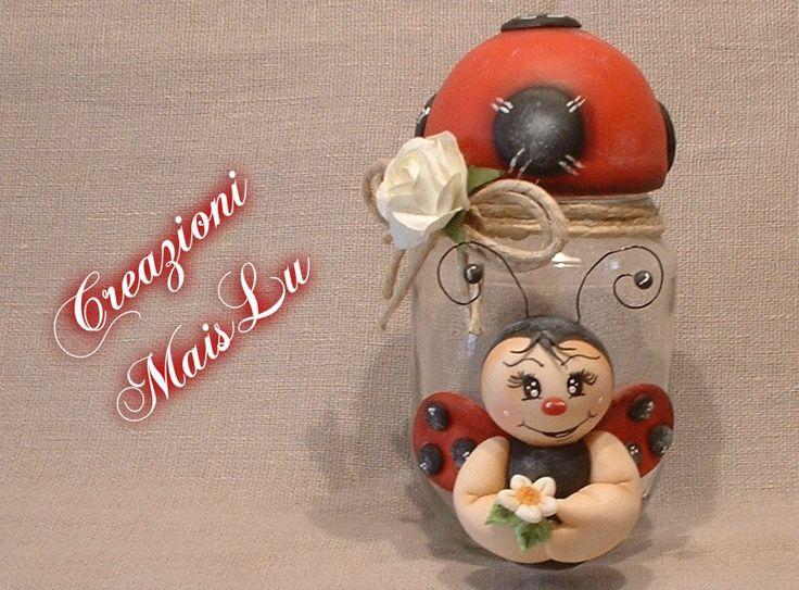 Barattolo in vetro decorato con coccinella in pasta di mais