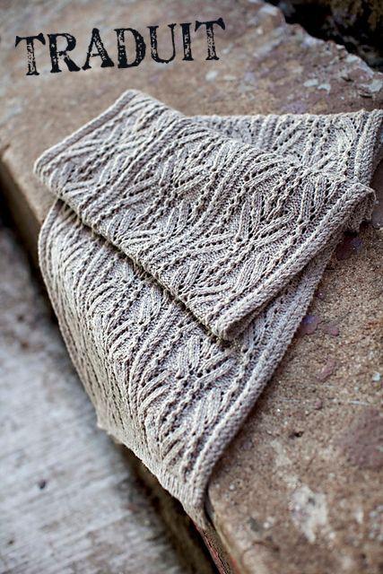 Etole Topiary de Michèle Wang pour Brooklyn Tweed, à tricoter, jours et torsades. Traduit en français.
