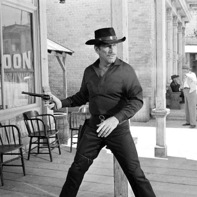 """7/11/14  8:59p  """"Have Gun, Will Travel""""   Richard Boone  as Paladin  Man In Black  Wide Stance in a Gunfight   1957-1963"""