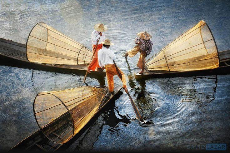 Intha fishermen, Inle Lake, Myanmar/Burma. (David Lazar)