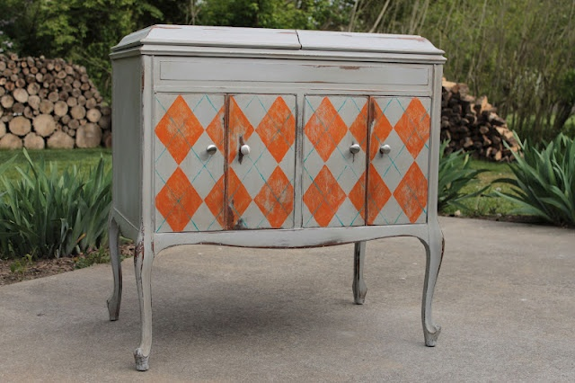 OLD VICTROLA CABINET: Paintings Furniture, Colors Combos, Hands Paintings, Paintings Argyle, Argyle Victrola, West Furniture, Dressers Ideas, Hands Business, Furniture Revival