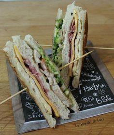 """Ciao a tutti!!!!!! Oggi vi propogo un nuovo tramezzino/sandwich inserito nella mia rubrica """"Panini & Sandwiches"""". Anche questo panino è stato preparato da mio marito che di tanto in tanto si diletta in cucina!!!! Preparare i tramezzini per molti può sembrare una cosa molto semplice. Io credo invece che trovare la giusta armonia"""