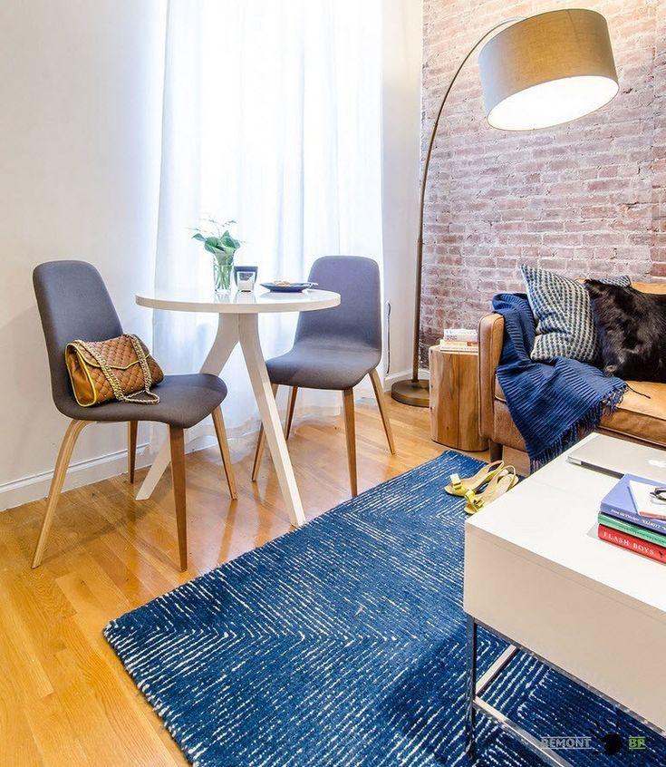 Гостиная в стиле лофт нью-йоркской квартиры