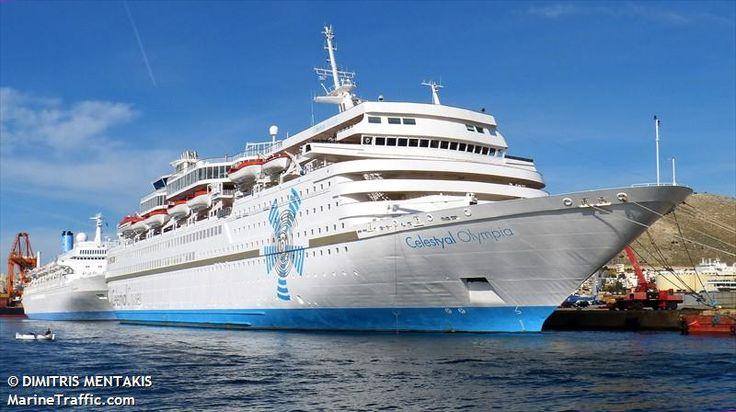 Το Celestyal Olympia πλευρισμένο στον Πειραιά. 01/12/2015.