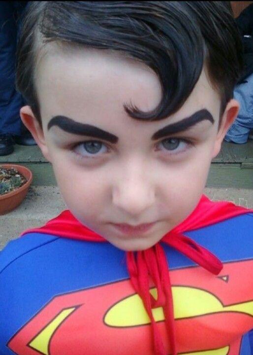 DIY Superman Halloween Costume Idea 3