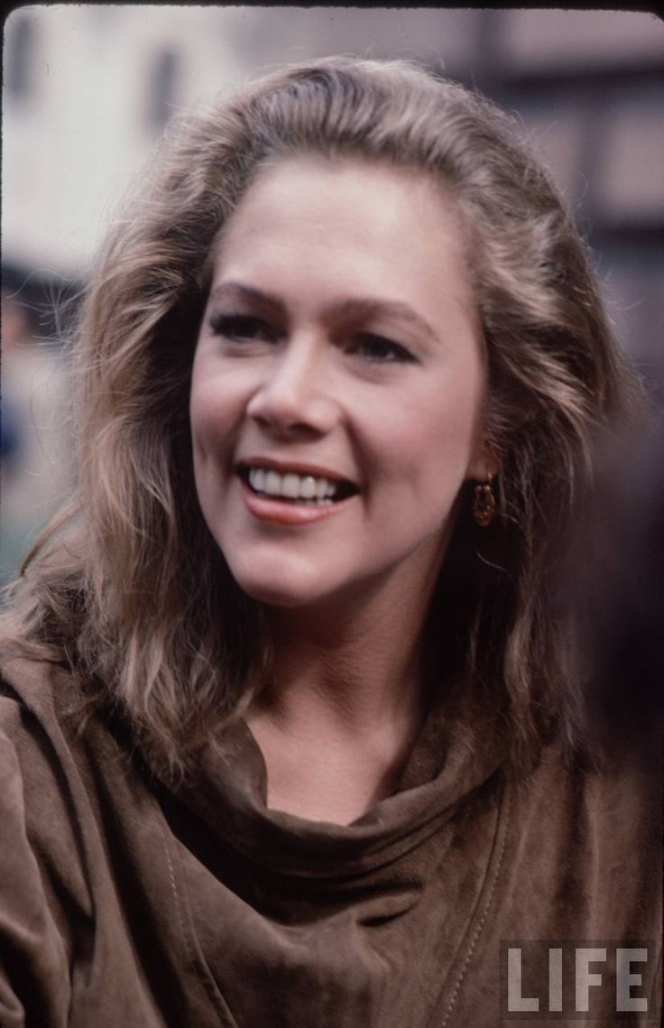 27 Best images about Kathleen Turner on Pinterest | Jobeth ...