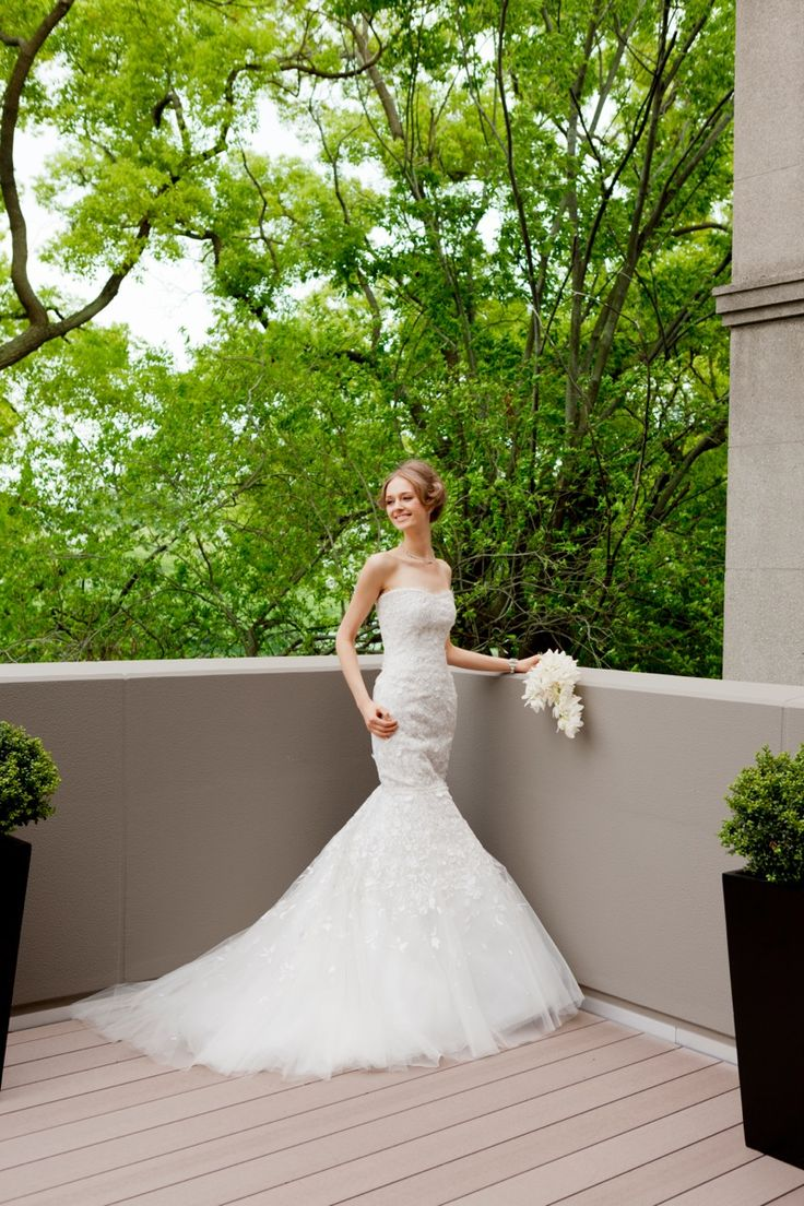 Jemma #NOVARESE #weddingdress #mermaidline #tulle #flower #brand #CarolinaHerrera #NY
