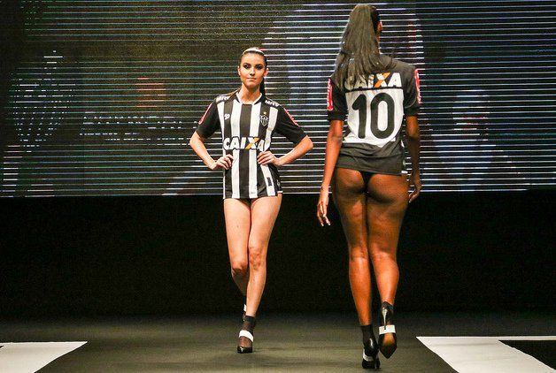 Carta foi escrita em reação a um desfile de mulheres com lingerie durante o lançamento das camisas oficiais do time