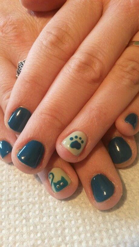 Happy Kitty nail design