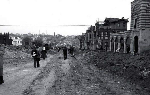 Edirnekapı - Saraçhane arasında cadde düzenlemesi (1957/1958) #istanlook #nostalji #birzamanlar