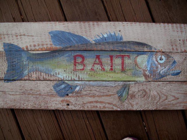 Vintage style fish bait sign diy fish sign pallet wood for Old wood projects