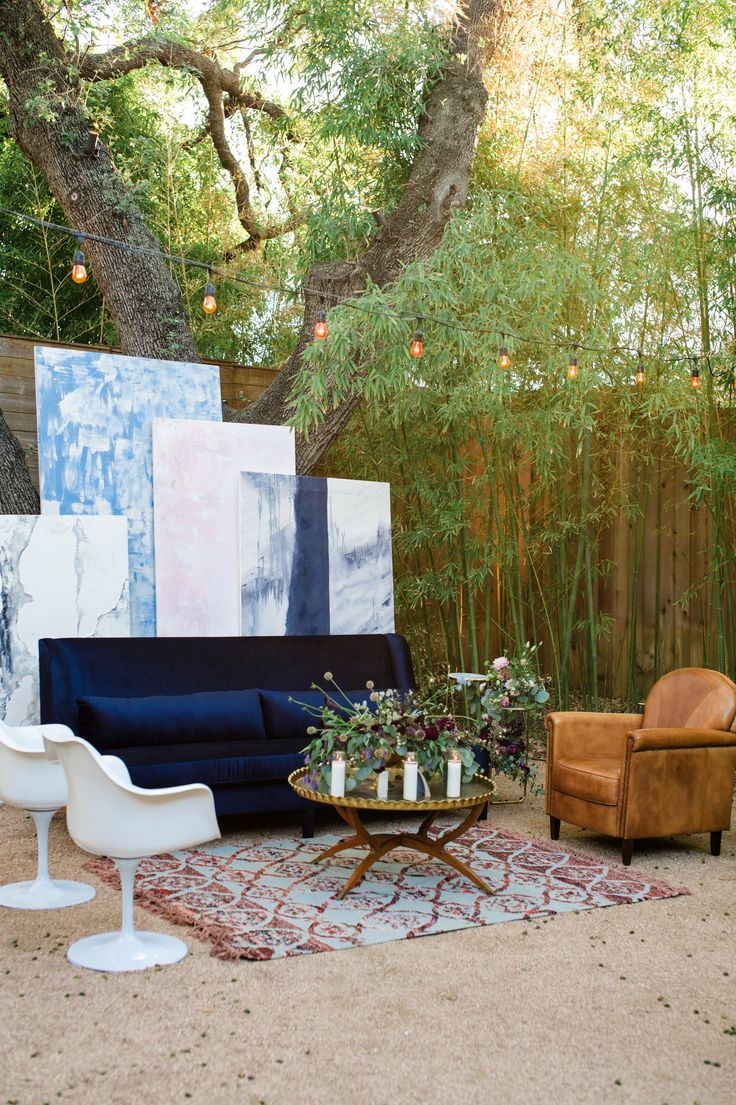 Intimate Courtyard Reception With Eclectic Furniture