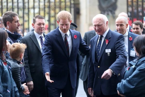 Prince Harry Photos - Prince Harry and RFU President John Spencer arrive ahead of the Rugby Union International match between England and Argentina at Twickenham Stadium on November 11, 2017 in London, England. - Prince Harry Attends England V Argentina Rugby Match