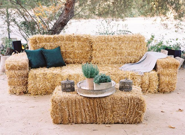 whoever set this up obviously has never actually sat on a hay bale