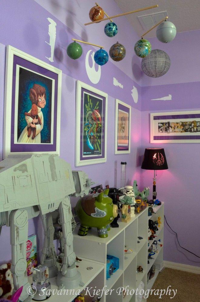 Pai decora quarto de sua filhinha com o tema da saga Star Wars.
