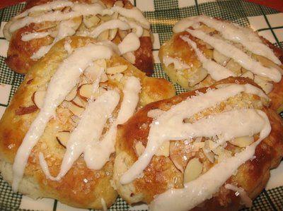 http://coleensrecipes.blogspot.com/2009/04/bear-claws.html