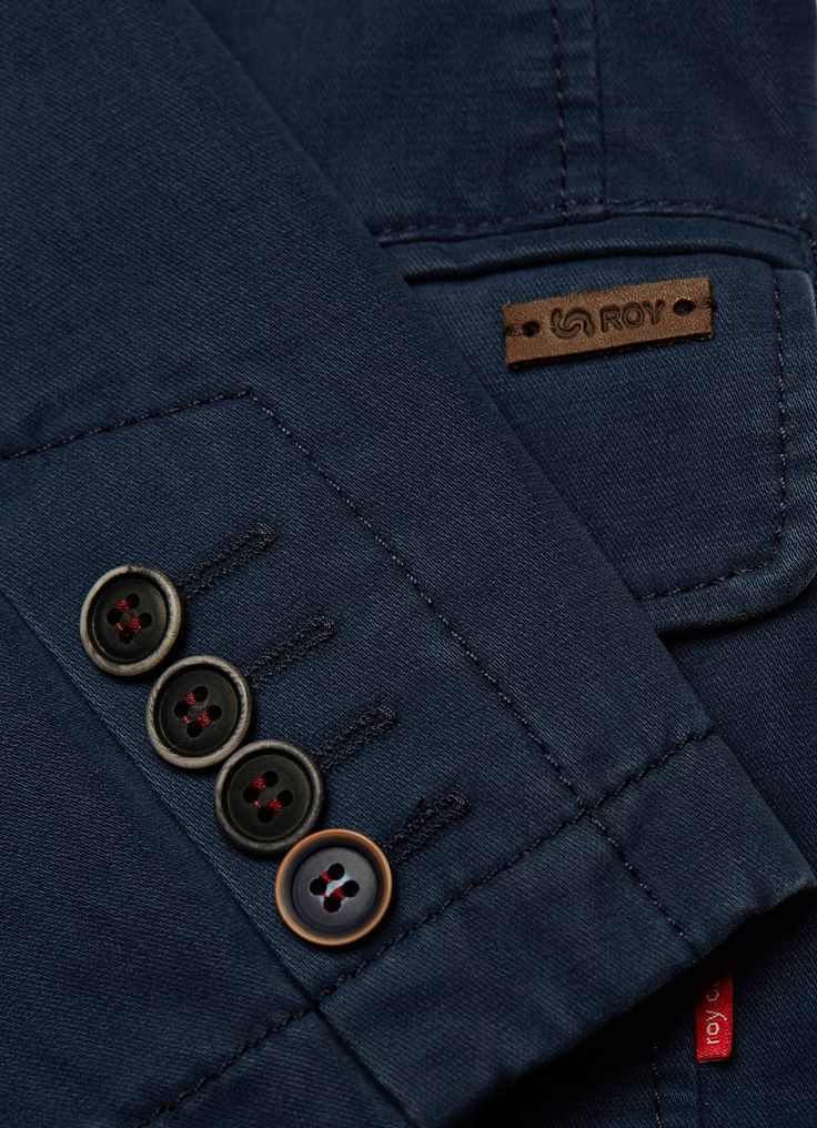 Men's fashion detail, suit jacket in cotton. ROY FW16. #smartcasual
