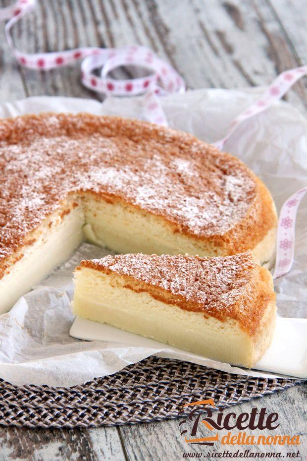 Torta Magica ~ La torta magica è nel vero senso della parola magica! Un unico impasto che genera tre consistenze diverse: pan di Spagna, crema e budino sul fondo. Provare per credere.