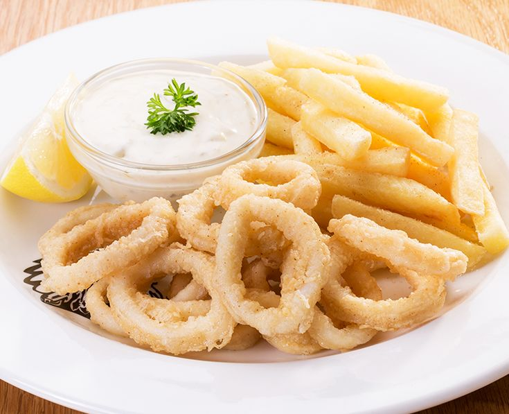 Calamari Starters: Lightly dusted, flash-fried calamari rings. Served with chips. https://www.spur.co.za/menu/starters/