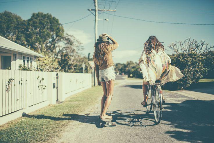 skate sesh with friends in Byron Bay.  #kimono #gypsealove #lisascloset #byronbay #skateboard #bike