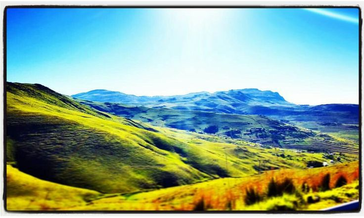 #roadtripping #kwazulunatal on our way to the Eastern Cape #awesomesouthafrica #beautifulsky #strikinglandscape. Photograph by Craig Adam...