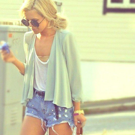 easy..Summer Fashion, Distressed Jeans, Summer Looks, Summer Outfit, Summer Style, Jeans Shorts, Denim Shorts, High Waist Short, Summer Clothing