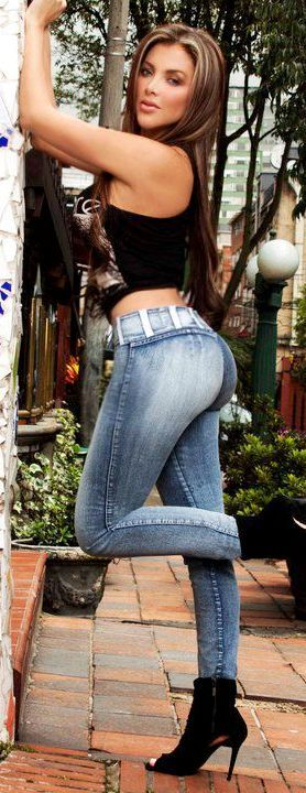 Sexy babes in jeans
