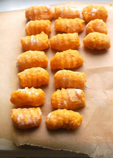 GF butternut squash gnocchi ** I would use spelt flour or quinoa flour or even almond miel!