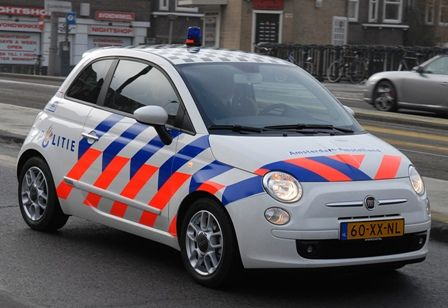 Fiat 500 dutch police-outfit